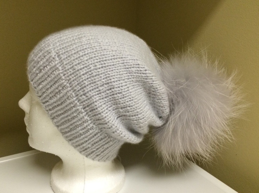 3c36bc727 100% Cashmere Light Grey Slouchy Beanie Hat Handmade - Light Grey Raccoon  Fur Pom Pom - Super Soft - Brand New