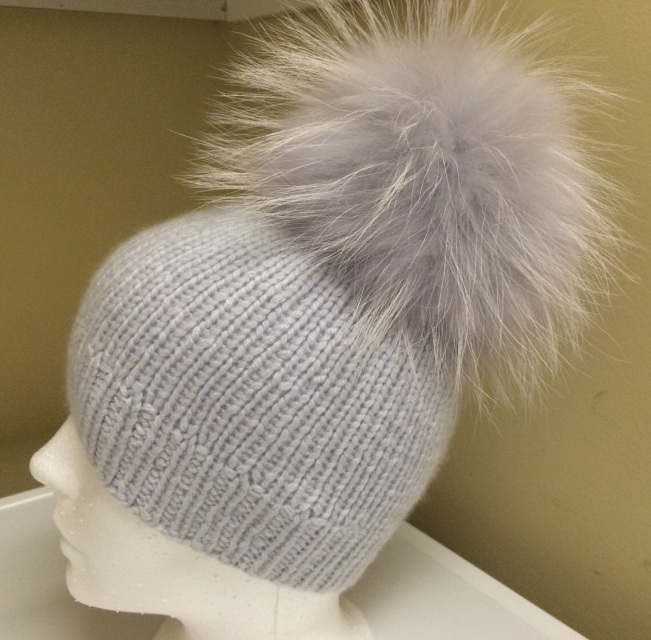 00fa6aaec 100% Cashmere Light Grey Beanie Hat Handmade - Light Grey Raccoon Fur Pom  Pom - Super Soft - Brand New